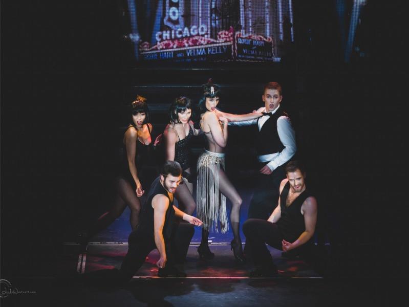 Horečka úterní noci tentokrát v Divadle Broadway